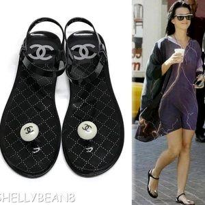 0d8558184188 CHANEL CC Logo PEARL Jelly PVC Thong Sandals 40 9